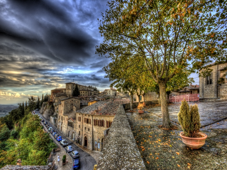 A cute Boutique Hotel and gourmet Restaurant in Umbria.
