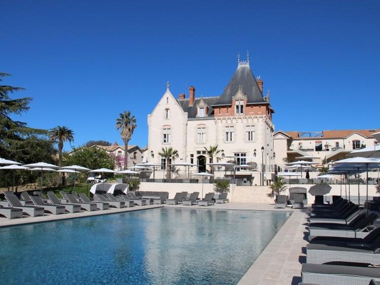Château & infinity pool