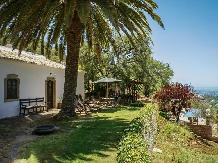 Wohnen im Holiday House Casa Velha São Brás de Alportel Algarve Portugal boutique besonders luxuriös aussergewöhnlich trendig chic cool klein