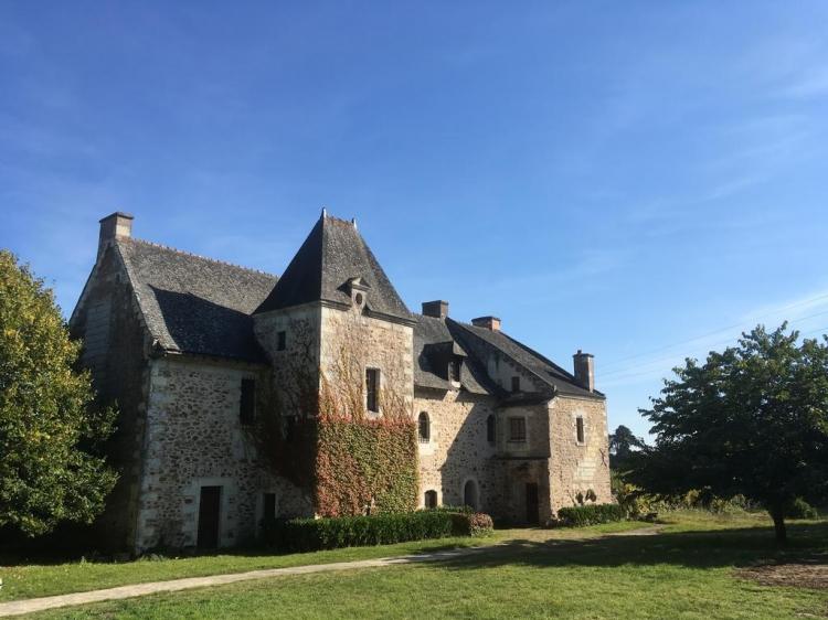 Manoir de Jouralem Blaison-Gohier altertümliches Gebäude