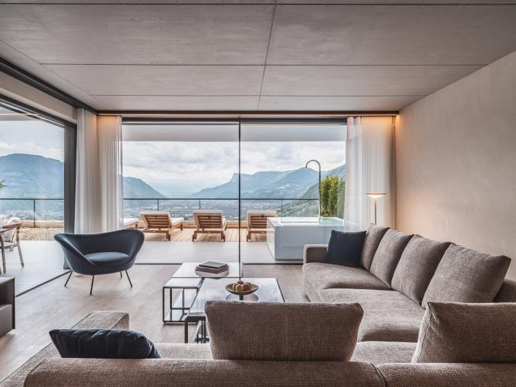 Wohnen im  Arua Private Spa Villas Tirolo Meran boutique hotel besonders luxuriös aussergewöhnlich trendig chic cool klein