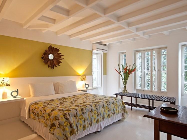 Casa Amarelo Bedroom