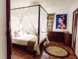 Wohnen im / Verweilen im Clubhouse 27 Masia Pairal Sitges Spanien boutique hotel  besonders luxuriös aussergewöhnlich trendig schick cool klein