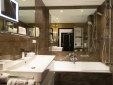 Cosy Double Bathroom